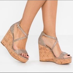Jessica Simpson New Gold Strappy Wedge 7 1/2.